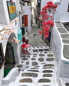 Picturesque street of ios island (Ίος)❤️