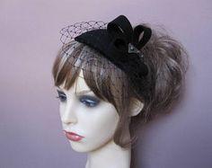 Black fascinator pillbox mini veiled hat 1940s 1950s retro vintage style garden tea party wedding funeral formal evening headpiece