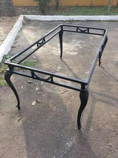 mesa em ferro 160.90 em ferro,os pes em aluminio nao enferru