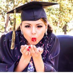 Graduation photos ideas
