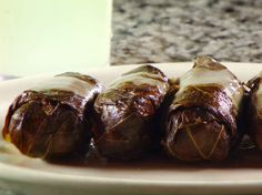 (Dolma) Grape Leaves from Diners, Drive-Ins and Dives.Boulevard Diner in Maryland. Dove Recipes, Greek Recipes, Lamb Recipes, Mexican Recipes, Veggie Recipes, Grape Leaves Recipe, Food Network Recipes, Cooking Recipes, Giada Recipes