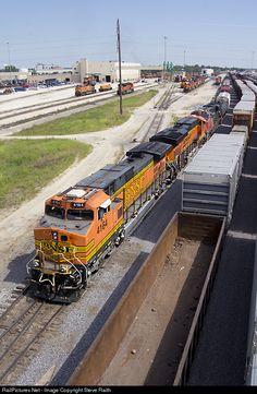 RailPictures.Net Photo: BNSF 4164 Burlington Northern Santa Fe GE C44-9W (Dash 9-44CW) at Galesburg, Illinois by Steve Raith