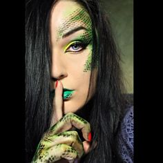 Exotic snake look by Dita using Sugarpill Buttercupcake eyeshadow and Sleek Acid palette!
