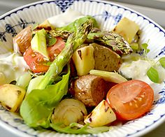Grillisalaatti | Reseptitaivas Potato Salad, Goodies, Potatoes, Ethnic Recipes, Food, Sweet Like Candy, Good Stocking Stuffers, Eten, Potato