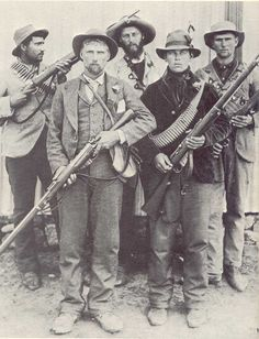 Afrikaner soldiers in the Anglo Boer War Apartheid, History Online, World History, Landsknecht, Le Far West, African History, Military History, Warfare, Black White