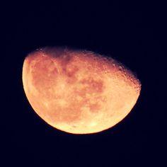 provocative-planet-pics-please.tumblr.com Luna menguante de hoy al 87% de visibilidad 28/03/2016 Para mei 13  @mexico_maravilloso @igersmexico @descubriendoigers @astralshot @astronomia @sky_captures @celestronuniverse #parameidevelasco #Tultepec #moon #luna #28032016 #planets #nature #naturaleza #fotografia #creativosmx #mexico2016 #night #sky #lunallena #messico #mexico_maravilloso #telescopio #moonlight #lunamenguante #naturaleza #nature #astrofotografía #astrofotography #anochecer…