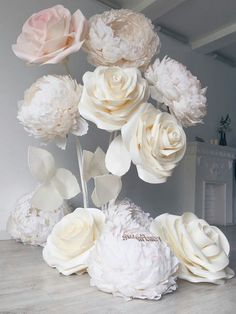 DIY Paper Flower Wedding Backdrop 2019 white roses paper flowers The post DIY. DIY Paper Flower We Large Paper Flowers, Paper Flowers Wedding, Paper Flower Wall, Giant Paper Flowers, Diy Flowers, Diy Paper Flower Backdrop, Organza Flowers, Rose Flowers, Wedding Decorations On A Budget