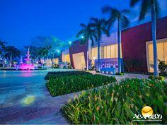 #informaciondeacapulco Los recintos más importantes de Acapulco. INFORMACIÓN SOBRE ACAPULCO. El puerto de Acapulco, cuenta con numerosos recintos donde se llevan a cabo eventos, tanto nacionales como internacionales, así como conciertos y espectáculos; algunos de de los más importantes son Sinfonía del Mar, el Centro Internacional Acapulco y Expo de Mundo Imperial, entre otros. Te invitamos a conocer más sobre Acapulco, durante tu próximo viaje. www.fidetur.guerrero.gob.mx