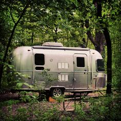 Airstream Travel Trailers, Travel Trailer Camping, Vintage Travel Trailers, Camper Trailers, Tent Camping, Glamping, Vintage Cabin, Vintage Rv, Vintage Campers