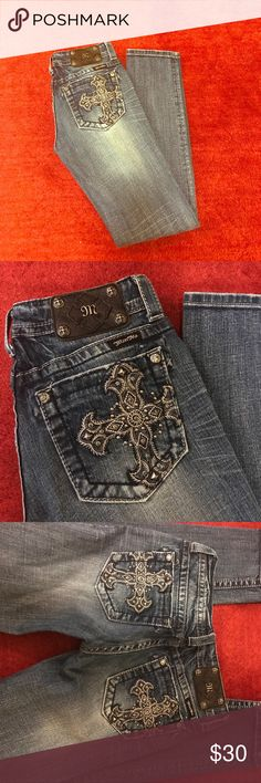 Miss Me Jeans sz 27 like new skinny Miss Me Jeans sz 27 skinny in EUC. Skinny jeans with all embellishments intact. These have been worn only a handful of times. Smoke free home. Offers welcomed. Thanks!! Miss Me Jeans Skinny