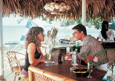 A photo of Elisabeth Shue and Tom Cruise in the movie Cocktail. Cocktail 1988, Cocktail Movie, Tom Cruise, Mojito, Elisabeth Shue, Hollywood Theme, Cruise Outfits, Beach Reading, Watch Tv Shows