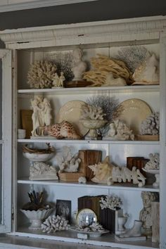 Coastal decor, beach art and furniture. You can improve the natural beauty in your home with splashes of white, as well as beach house decorating ideas. Beach Cottage Style, Beach House Decor, Home Decor, Coastal Homes, Coastal Decor, Seashell Display, Displaying Collections, Beach Cottages, Decoration