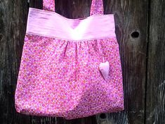 m29m / kvetinová taška - ružová Tops, Women, Fashion, Moda, Fashion Styles, Fashion Illustrations, Woman
