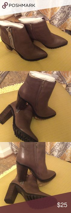 Women ankle boots beige new Boots Steve Madden Shoes Ankle Boots & Booties