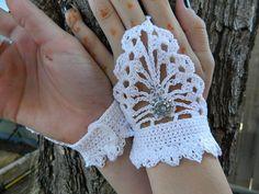 Steampunk fingerless gloves by lilliemaessteamtrunk on Etsy