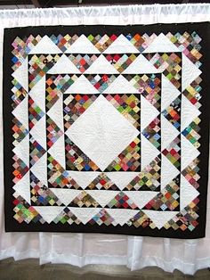 Sew Many Ways.: Quilt Show Pictures.Part 1 Sew Many Ways…: Quilt Show Pictures…Part 1 16 Patch Quilt, Quilt Blocks, Crazy Quilt Tutorials, History Of Quilting, Scrap Quilt Patterns, Homemade Quilts, String Quilts, Hanging Quilts, Medallion Quilt