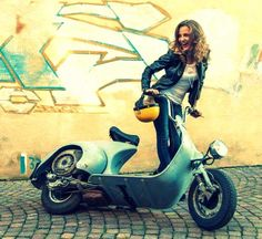 All things Lambretta & Vespa Vespa Motorcycle, Vespa Bike, Vespa Px, Piaggio Vespa, Lambretta Scooter, Vespa Scooters, Moto Bike, Lady Biker, Biker Girl