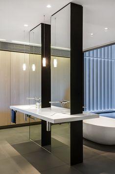 Contemporary Ensuite Bathroom With Cutting-Edge Design in Sydney
