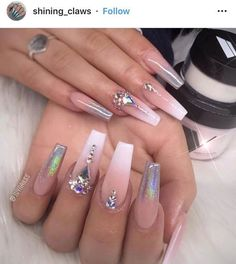 Want to know how to do gel nails at home? Learn the fundamentals with our DIY tutorial that will guide you step by step to professional salon quality nails. Aycrlic Nails, Dope Nails, Glam Nails, Bling Nails, Glitter Nails, Hair And Nails, Coffin Nails, Jewel Nails, Bling Nail Art