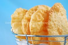 Yaniqueques - Dominican fried dough fritters..what's NOT to love??