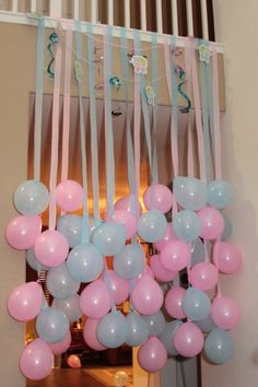 Fun Party/Baby Shower Idea - hang balloons to match party theme with coordinating crepe paper or ribbon streamers! Gender Reveal Party Ideas Fun decorating idea for a baby shower!- This would be cute for any party or shower. Just have to keep it high enou Shower Party, Baby Shower Parties, Shower Gifts, Baby Showers, Diy Shower, Baby Shower Gender Reveal, Baby Gender, Twin Gender Reveal, Gender Reveal Party Games