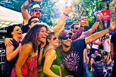 Are you coming to Barcelona for the Sonar Festival Here is your complete guide to this year's most popular Barcelona music festival. Barcelona, World, Voici, Festivals, Events, Serif, Music, Queen, Barcelona Spain