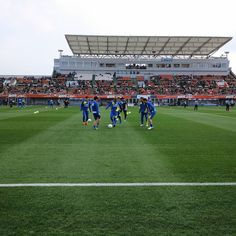 March - 08 - 2016 . Omiya Ardija - Kashiwa Reysol @ Nack5 Stadium Omiya  05/03/16 . 中央にいる黒いウェア着てるのが下平ヘッドコーチ(分かりにくいけど苦笑) 久々に観た ひょっとしてひょっとするかもしれないね(笑) #thechickenbaltichronicles #japan #japon #football #futbol #futebol #fussbal #voetbal #calcio #soccer #instafootball #jleague #stadium #estadio #stadion #march #tuesday #日本 #サッカー #jリーグ #柏レイソル by 708ggg