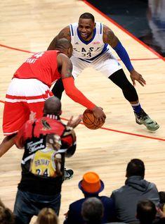35fb8b57c Kobe Bryant Photos - Los Angeles Lakers v Cleveland Cavaliers - Zimbio  Drake