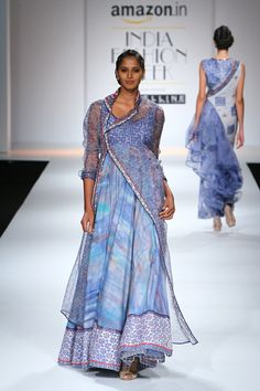 Poonam Dubey at Amazon India Fashion Week Spring/Summer 2016 (Indo Western Cotton Top)