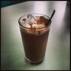 Hot chocolate w. marshmallows !!