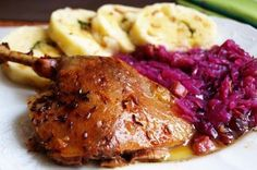 Pomalu pečená kachna Slovak Recipes, Czech Recipes, Food 52, Bon Appetit, Street Food, Gluten Free Recipes, Poultry, Ham, Steak