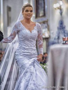 Thalita Valle #vestidosdenoiva #casamento #wedding #bride #noiva #weddingdress #weddingdresses #bridal