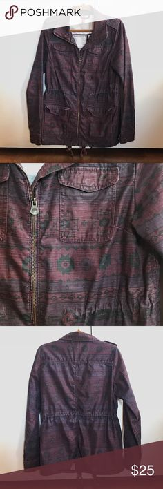 Plum Aztec Printed Jacket H&M Divided brand Very sturdy and comfortable jacket- great for spring, summer nights, and fall weather! Shapes curves nicely with inside waist ties, or wear loosely fitted. H&M Jackets & Coats
