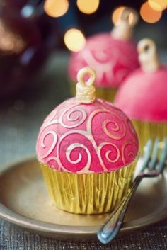 Pink Christmas ornament cupcakes!!! how fun!!!