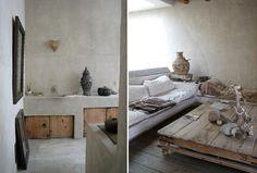 Philip Dixon's Moroccan Retreat - Design Magazine Moroccan Lounge, Moroccan Style, Bohemian Interior Design, Decor Interior Design, Interior Architecture, Interior And Exterior, Venice Beach House, Bungalow, Built In Sofa