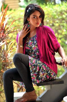 Amala Paul who previously used Anakha as her stage name, is an Indian film actress. All Indian Actress, Indian Actress Gallery, Indian Actress Photos, Indian Actresses, Amala Paul, Indian Movies, Western Outfits, India Fashion, Indian Girls