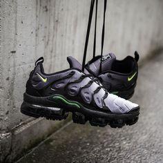 ac1db29b28c4a Nike Air VaporMax Plus Black   Dark Grey Credit   Suppastore Latest  Sneakers