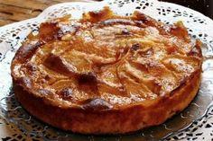 Tarte maçã é tão macia que se desfaz na boca uma delicia Portuguese Desserts, Portuguese Recipes, Cheesecake Pie, Pumpkin Cheesecake, Fruit Tart, Bread Cake, Food Cakes, Fruit Cakes, Cake Cookies