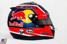 Overview: Driver helmets for 2015 season - GPUpdate.net - Daniil Kvyat - Infiniti Red Bull Racing