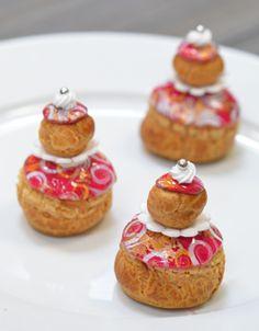 Le Cordon Bleu Recipe - Mango and Passion fruit 'religieuse' choux pastry Le Cordon Bleu, Profiteroles, Pastry Recipes, Cooking Recipes, Choux Cream, Yummy Treats, Sweet Treats, Cream Puff Recipe, Paris Food