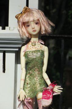 https://flic.kr/p/fFjATy | ravgreen | Marmite Sue Little Rose resin BJD