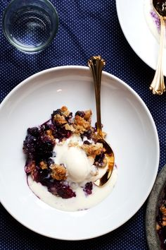 """Coconut Crumble with Summer Fruit and Vanilla Ice Cream ... a wonderful recipe from this blog, """"Hungry Girl Por Vida""""."""