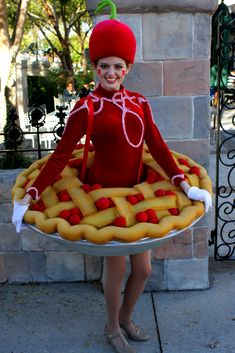 30 Food-Inspired Dresses That Will Make You Drool For More - Feminine Buzz Food Costumes, Candy Costumes, Creative Costumes, Cute Costumes, Carnival Costumes, Costume Halloween, Halloween Diy, Costume Bonbon, Mode Bizarre