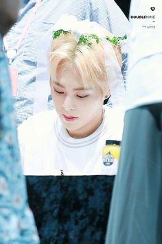 xiumin wearing a flower crown