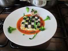 Gino D'Aquino /    Seppia  bianco   nera  patate   brodo di  crostacei /  Gino D'Aquino