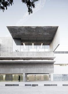 Alcala University / Concrete building by Héctor Fernández Elorza  | www.bocadolobo.com #modernarchitecture #modernbuildings