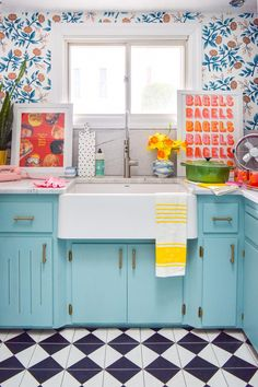 Choosing a retro kitchen sink for a modern retro kitchen is easier than you'd think, if you're looking in the right place! kitchen decor Choosing A Retro Kitchen Sink Retro Home Decor, Home Decor Kitchen, Cheap Home Decor, New Kitchen, Kitchen Ideas, Kitchen Inspiration, Colorful Kitchen Cabinets, Bright Kitchen Colors, Awesome Kitchen