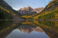 Fall in Colorado is really something amazing! Maroon Bells in Aspen - Chris Hatfield [5616x3744]