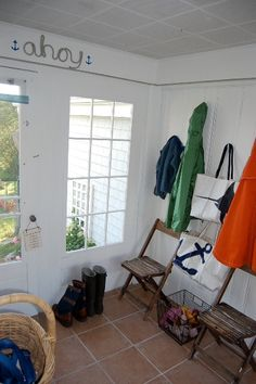awesome mudroom makeover (for cheap!)