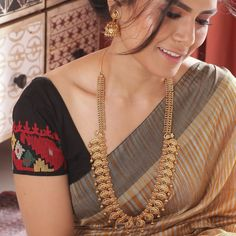 Gold jewelry fashion - 31 Beautiful Haram Designs You Will Only Find On This Brand! Indian Jewellery Online, Indian Jewelry Sets, Indian Jewellery Design, Jewelry Design, India Jewelry, Designer Jewellery, Jewelry Accessories, Fashion Necklace, Fashion Jewelry